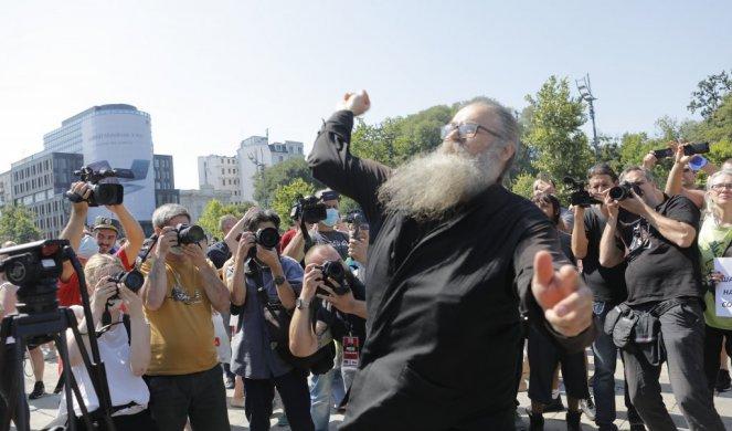 ŽESTOKO: Monahu Antoniju pišu kaznu, a policiji kada je postavljeno pitanje... 1