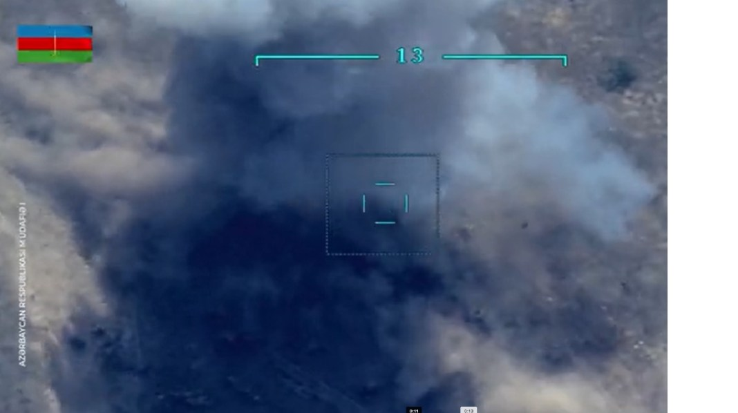 (VIDEO)SNIMAK SUKOBA U NAGORNO-KARABAHU: Dron razneo Jermenske vojnike! 1