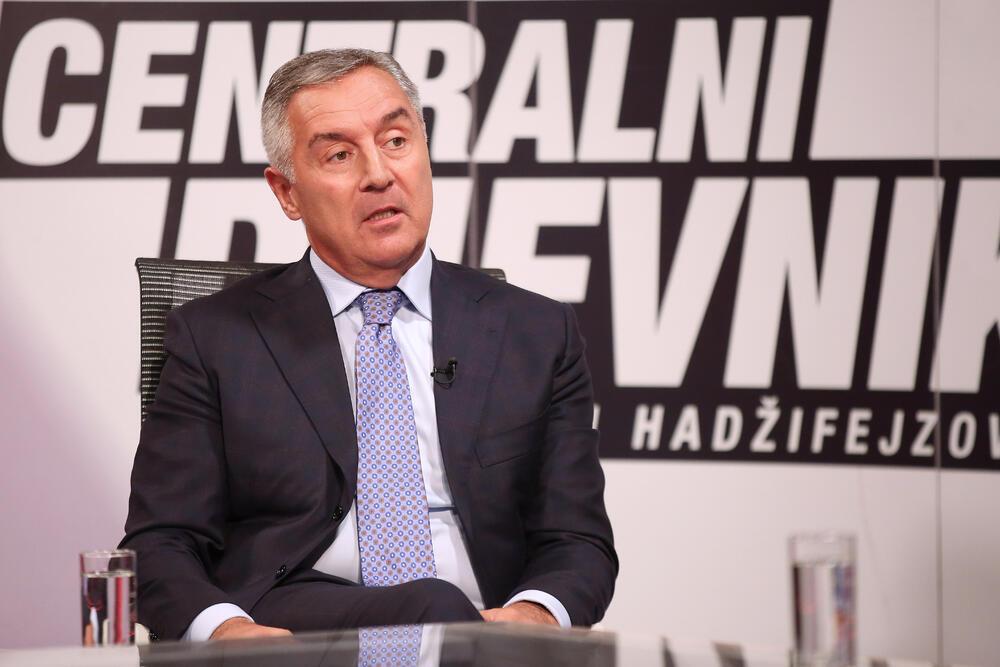 (VIDEO) MILO PRETI: Idemo u šumu i oružjem branimo Crnu Goru! Rat je...rat…! 1