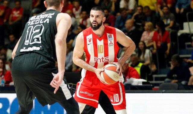 "SVE JE SPREMNO ZA DERBI: Hoće li Partizan uspeti da ''skine skalp"" večitom rivalu ili će Zvezda otići na 8-0? (FOTO) 1"