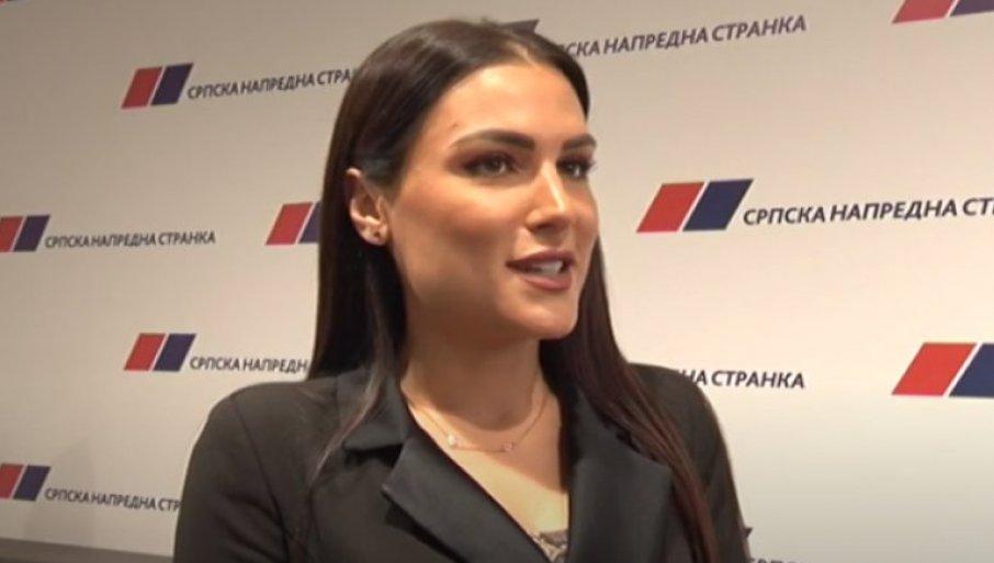 "SNS-ovka ""ISTAKNULA"": Kad god možeš, ti Vučića pomeni (VIDEO) 1"