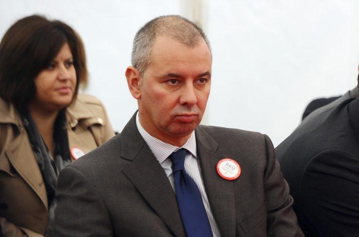 KRIK: Vučićev kum sa suprugom kupio dve vile od 4 miliona € 1