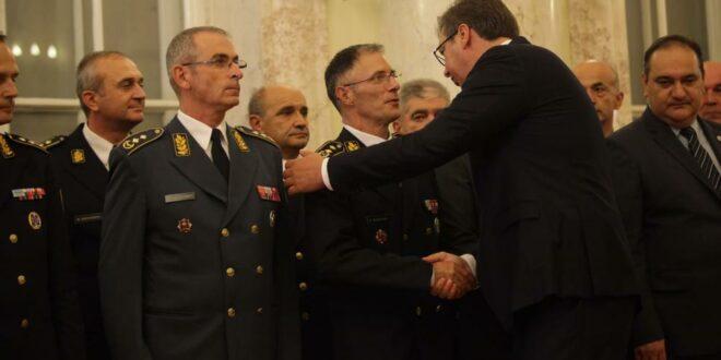 VOJSKA NASTAVLJA POBUNU: Generala Mojsilovića na disciplinsku i krivičnu odgovornost! 1