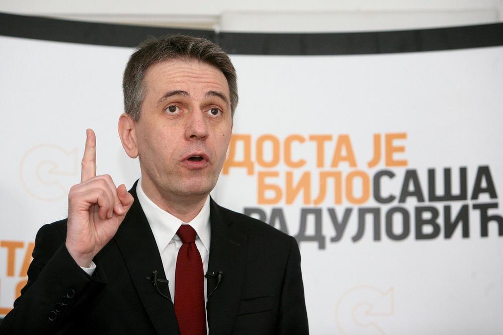 DJB IZMEĐU ČEKIĆA I NAKOVANJA: Napada ih vlast, napada ih tzv. opozicija, narod ipak uz njih! 1