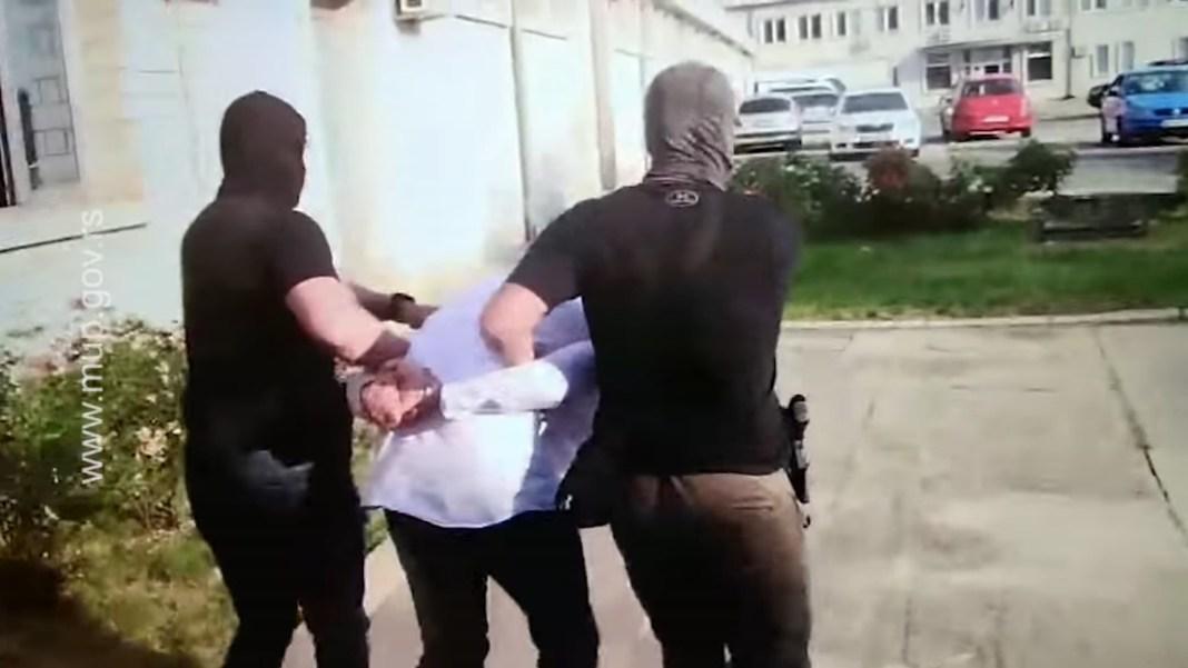 """SRBIJA KAO KOLUMBIJA: Uhapšeni inspektor bio """"krtica"""" narko mafije u SBPOK, sumnja se da je uništavao i dokaze (VIDEO) 1"""