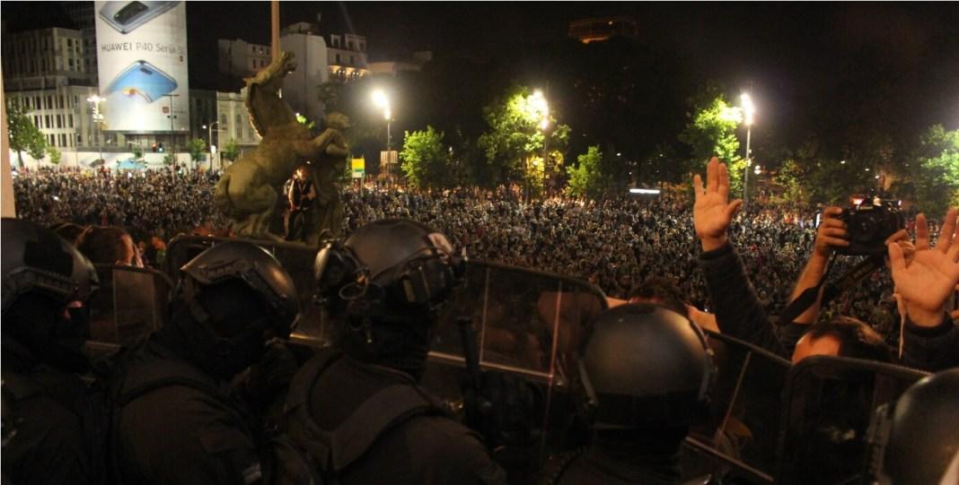 AKO GA SMAKNEMO, PREŽIVEĆEMO: Bolesni diktator piša po Srbiji i njenim građanima! 1