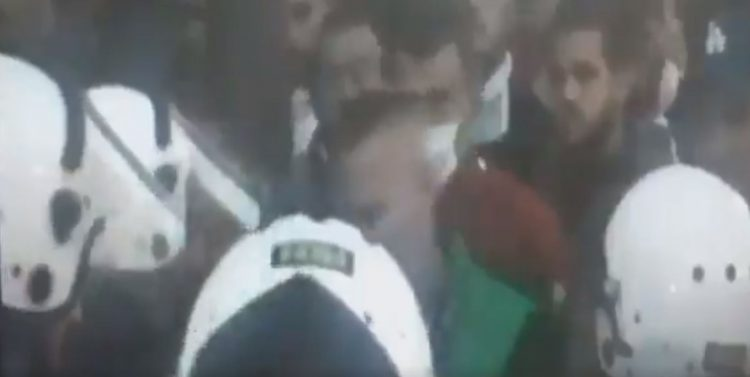 ABAZOVIĆ OBJAVIO SNIMAK: Đukanovićev savetnik započeo napad na policiju! 1
