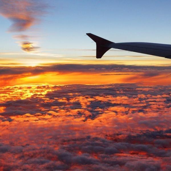 Вид из самолета: из кабины пилота и окна (иллюминатора ...