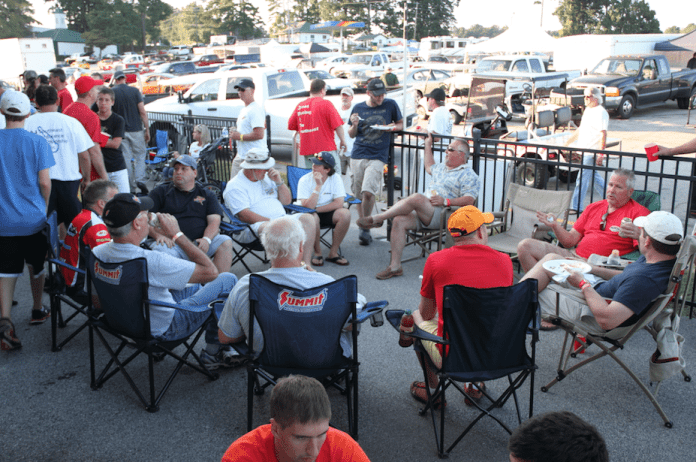 The Saturday evening party consisted of Carolina-style pulled-pork barbecue, which you could either wash down with beer or some of the Southeast's finest sweet tea. The lines were long, but the pig was worth the wait.