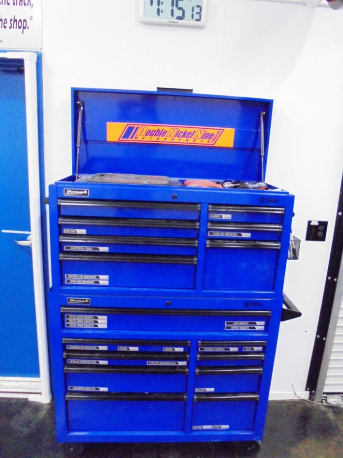 We placed the toolbox near the lift for easy access. We added magnetic labels to the drawers to keep things organized. Repairs go a lot quicker when tools are easy to find.