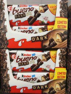 """KINDER Bueno von Ferrero als Variante mit dunkler Schokolade (""""Dark"""")."""