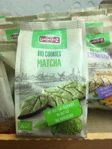 Lambertz war traditionell mit einem großen Stand auf der ISM vertreten und präsentierte hier Produktinnovationen aus dem Stammhaus und den Tochterunternehmen wie Weiss (Lebkuchen). Besonders im Trend liegen dürften diese innen wie außen grünen Biokekse mit Matcha-Tee...