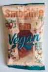 Vegane Smoothie-Weingummis von Lühders: ungewöhnlicher Geschmack für Weingummi, deutlich süß, aber neben der fruchtigen kommt auch eine leicht gemüsige Note heraus. Von der Konsistenz leicht klebrig und wenig elastisch. Keine Frage, eine gelungene Alternative nicht nur für Veganer!