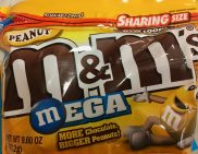 M+M Peanuts MEGA