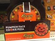 Reeses Pumpkin Face Cockie Pizza