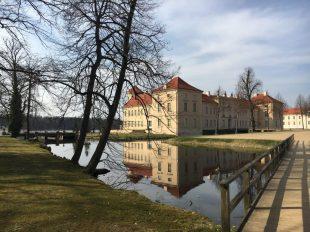 Schloss Rheinsberg Außen See