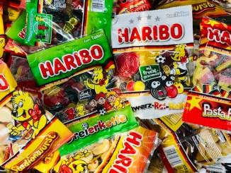 Haribo EM-Fußball-Fruchtgummis 2020 Stadionwurst-Dreierkette-Schwarz-Rot-Rolls-Pasta Flagga