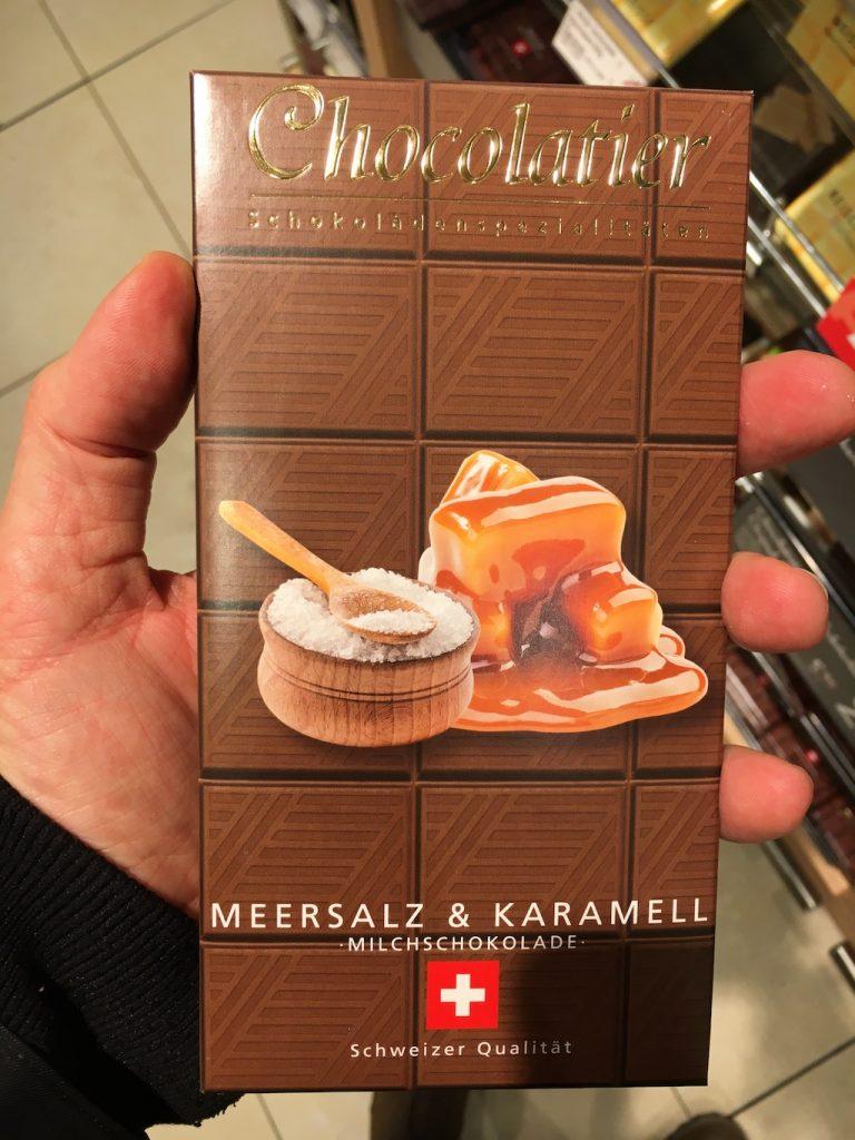 Schweizer Qualität Chocolatier Meersalz + Karamell
