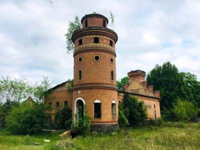 Verfallenes Anwesen nördlich von  Neuruppin. Foto: Oliver Numrich