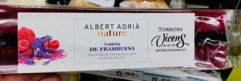 Turrón von Albert Adria mit Himbeergeschmack.