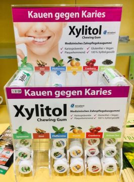 Miradent Xylitol Chewing Gum Apotheken-Display