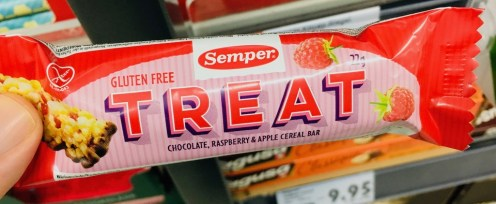 Semper Treat Gluten free Rasberry+Apple Cereal bar