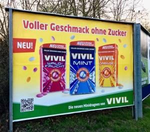 Vivil Plakat Werbung für Minidragees Waldfrucht-Mint-Orange