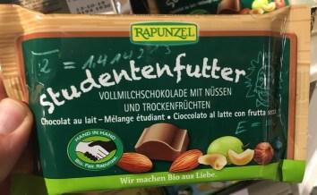 Rapunzel Studentenfutter Vollmilchschokolade mit Nüssen und Trockenfrüchten Bio-Fair