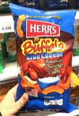 Herr's Buffalo Blue Cheese flavored Cheese Curls 198 Gramm