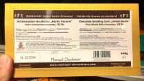 Metropol Chocolatiers Schokoladen-Grußtafel Berlin vereint Edel-Vollmilch 41% 2 Cent-Spende an #unteilbar