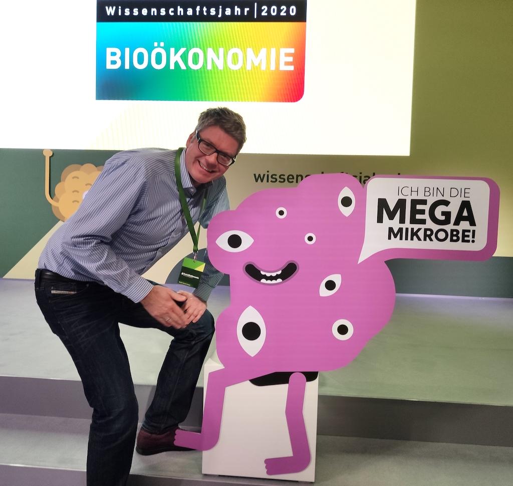Naschkater Oliver Numrich m Futurium bei der Eröffnung des Wissenschaftsjahrs 2020 Bioökonomie