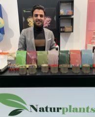 Naturplants Blüten und Gewürze aus dem Iran verkauft Mohammad Rahmani mit sienem Berliner Startup Naturplatns