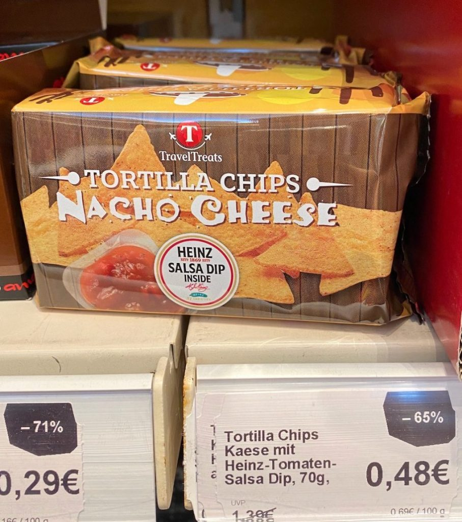 Travel Treats Tortilla Chips Nach Cheese mit Heinz Salsa Dip 70G