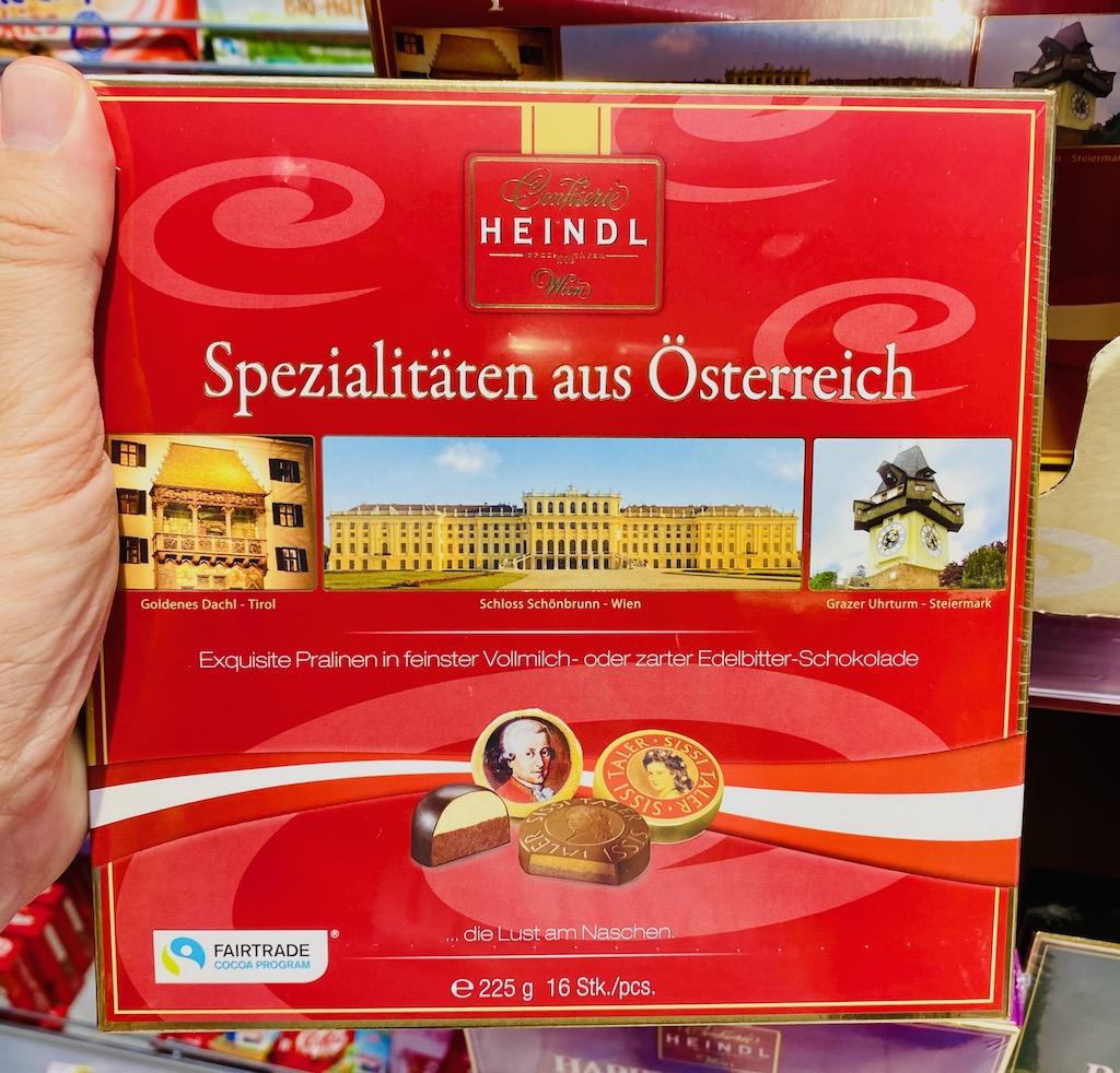 Confiserie Heindl Spezialitäten aus Österreich Mozartkugel und Sisi Taler 225G