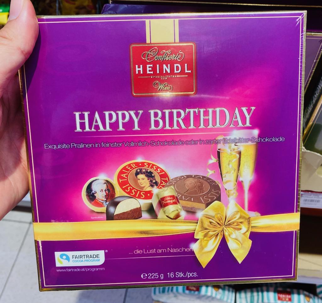 Confiserie Heindl Wien Happy Birthday 225G Mozartkugeln udn Sissi-Taler