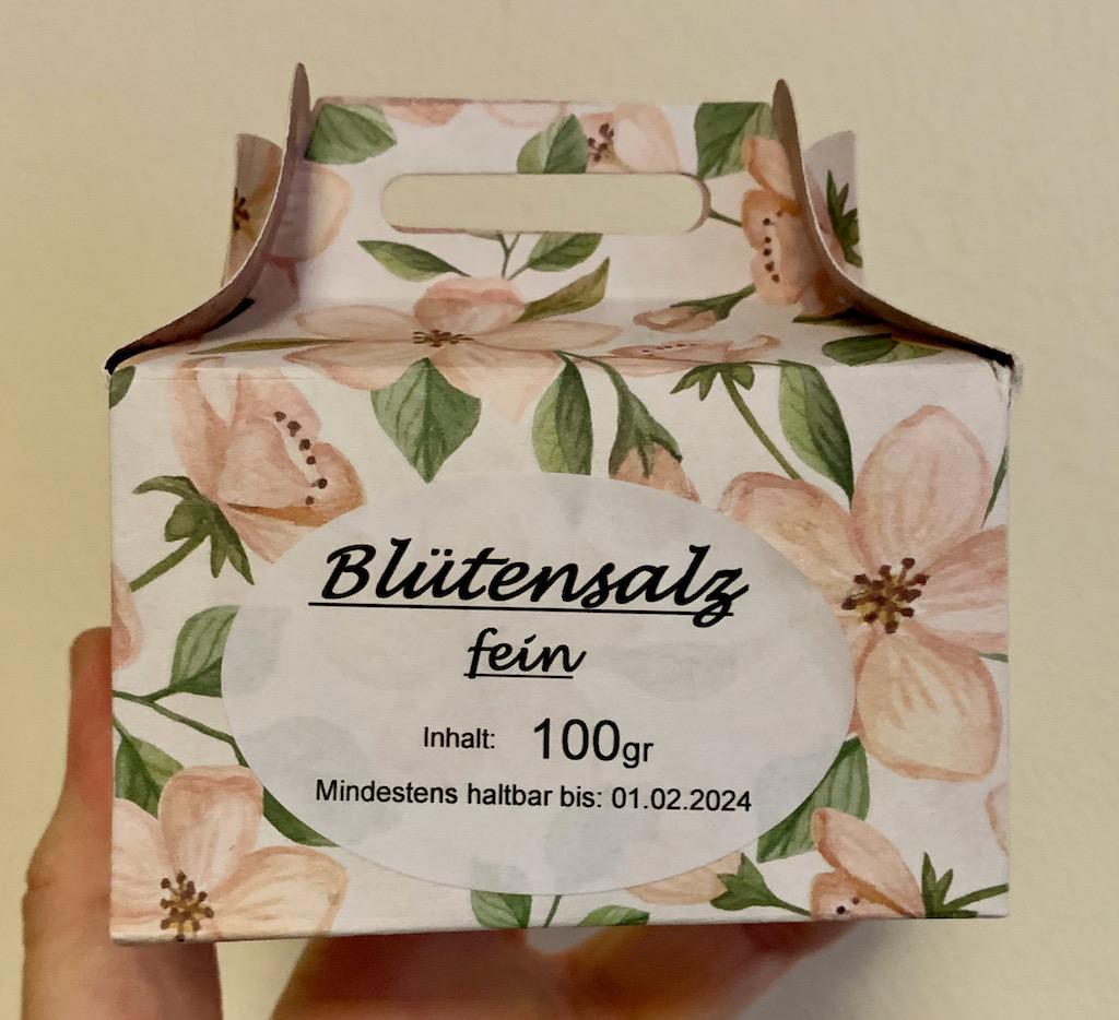 Blütensalz Fein 100G mit Blüten von Lavendel-Ringelblumen-Rosen-Melisse-Malven