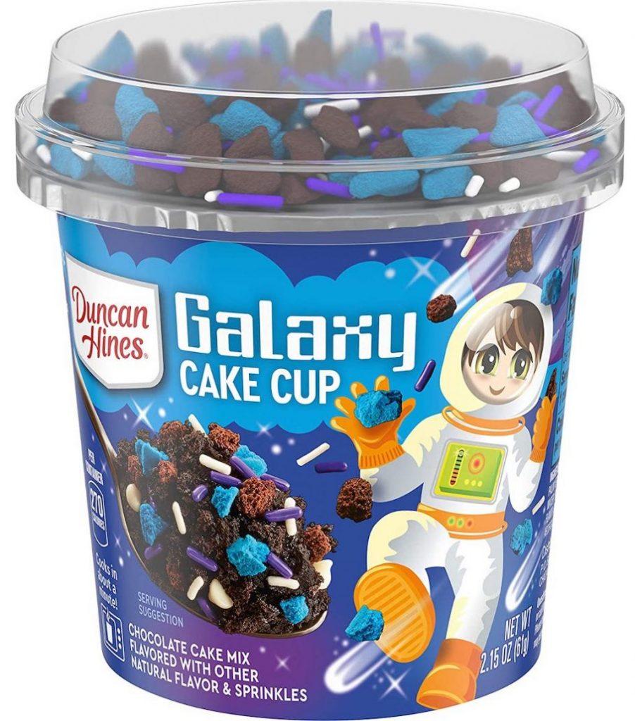 Duncan Hines Galaxy Cake Cup Tassenkuchen mit blauen Dekorstreuseln 61G