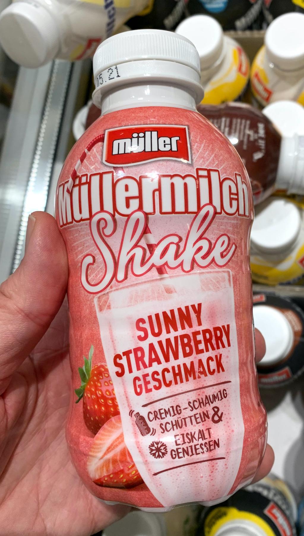 Müllermilch Shake Sunny Strawbery Geschmack