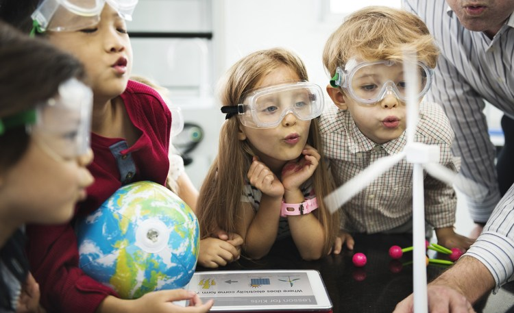 """STEM/STEAM activities: Create STEAM connections that make them say """"wow!"""""""