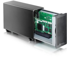 akitio-thunder2-pcie-box-angleopen-highres