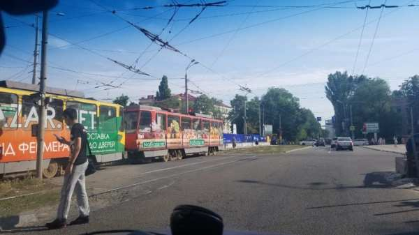 Проспект Яворницкого в Днепре перекрыт: остановились ...