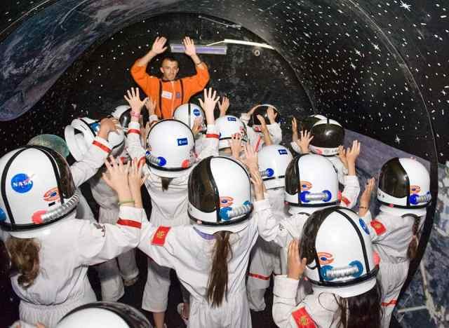 В Днепре детей приглашают на бесплатное путешествие в космос. Новости Днепра
