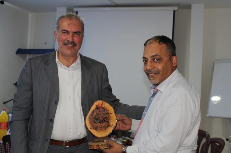 جمعية ناشط تكرم إدارة ثانوية بيسان ولجنة الحكم في مسابقة الشعر