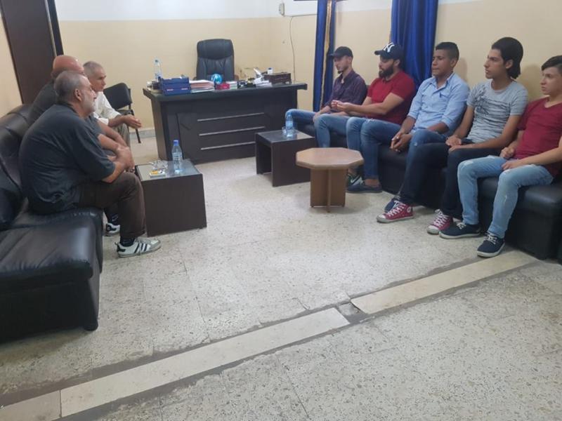 شعلة ناشط تلتقي لجنة قاطع الجسر في مخيم عين الحلوة