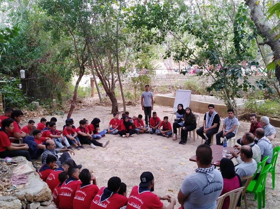 مدير جمعية ناشط يحاضر في المخيم السنوي لكشافة أشد في صور