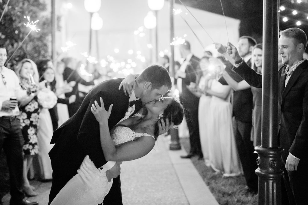 Black and white wedding photos captured by Maria Gloer Photography