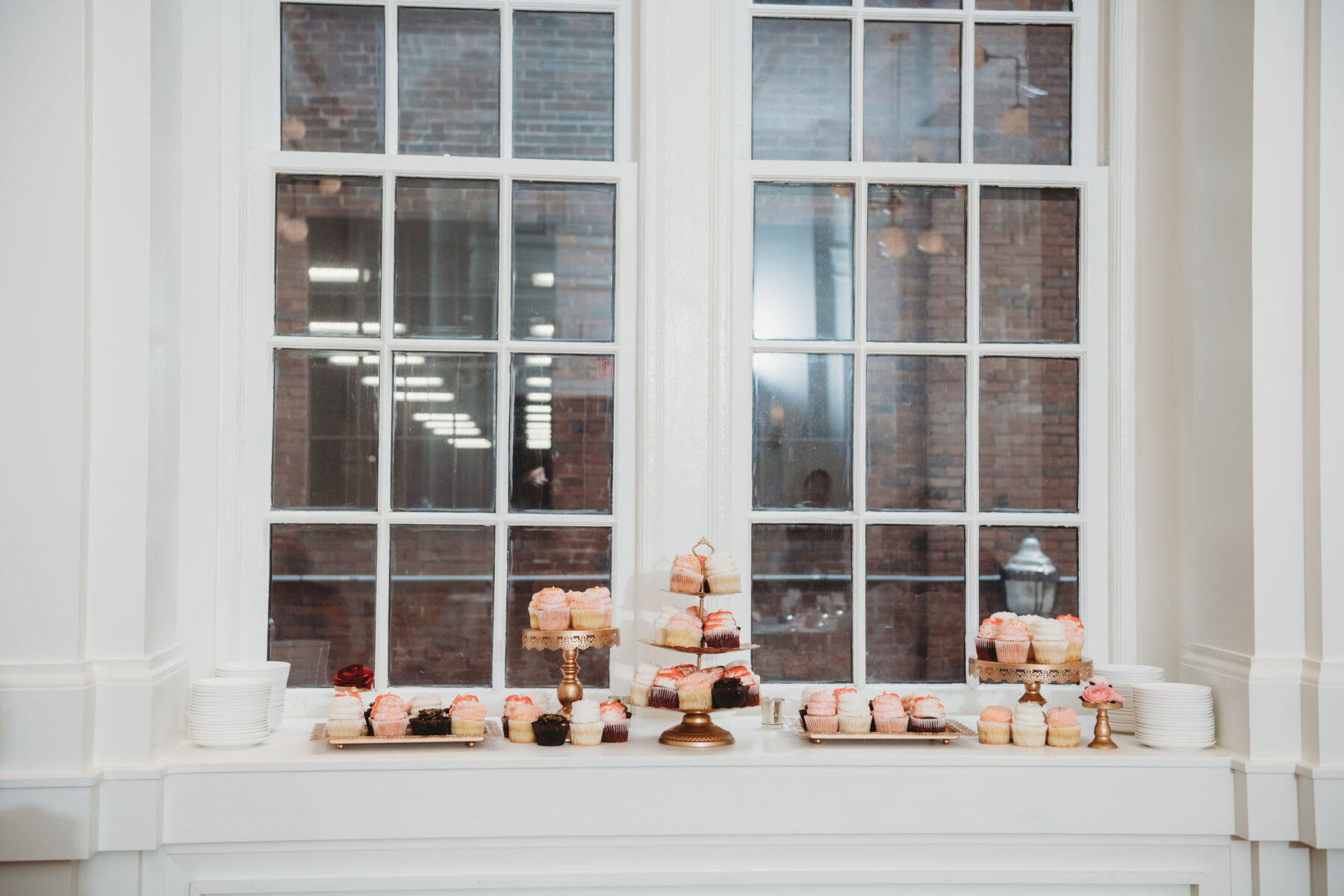 Gigi's Cupcakes Dessert Display: Summer Tennessee Wedding at Noelle from Jayde J. Smith Events featured on Nashville Bride Guide