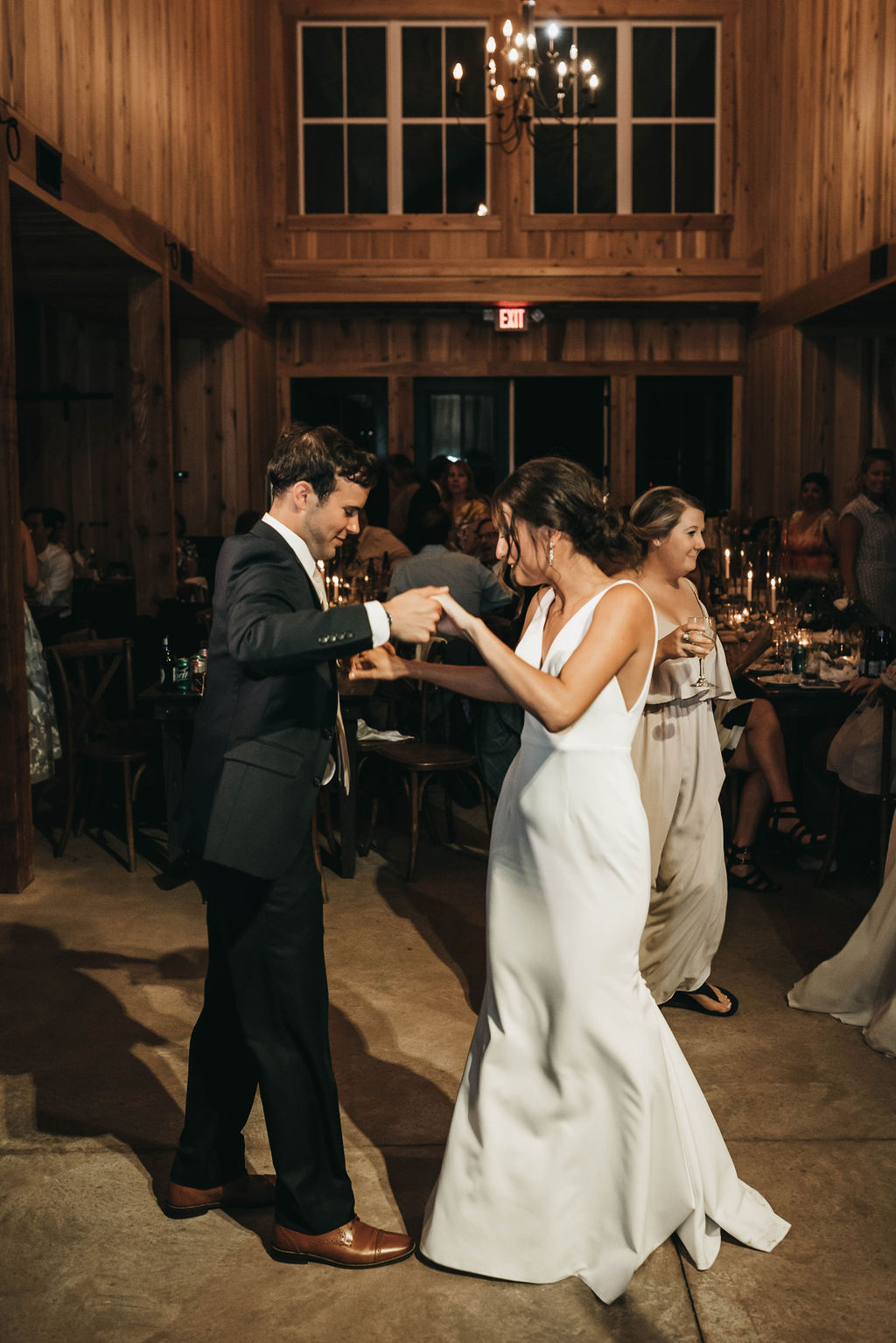 Greenery filled Allenbrooke Farms wedding featured on Nashville Bride Guide