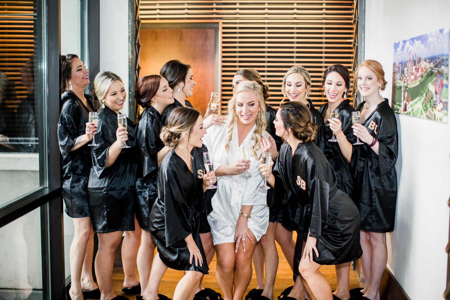 Bridal Party Photo Ideas   Nashville Bride Guide