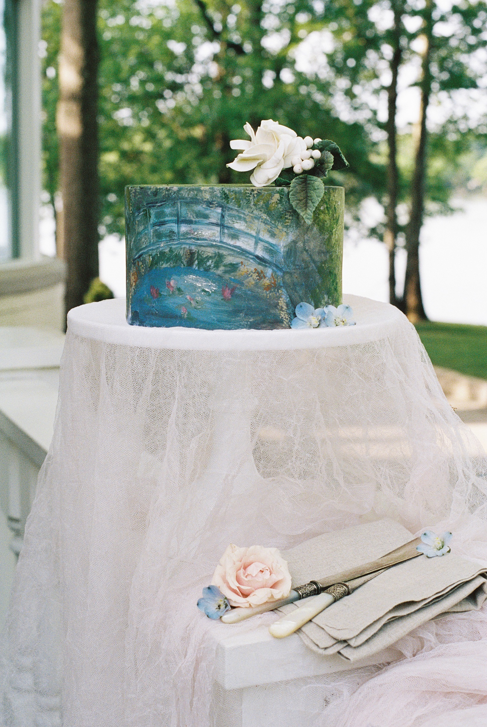 Monet Inspired Wedding Cake   Nashville Bride Guide